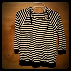 2/$10 Gap size small pullover